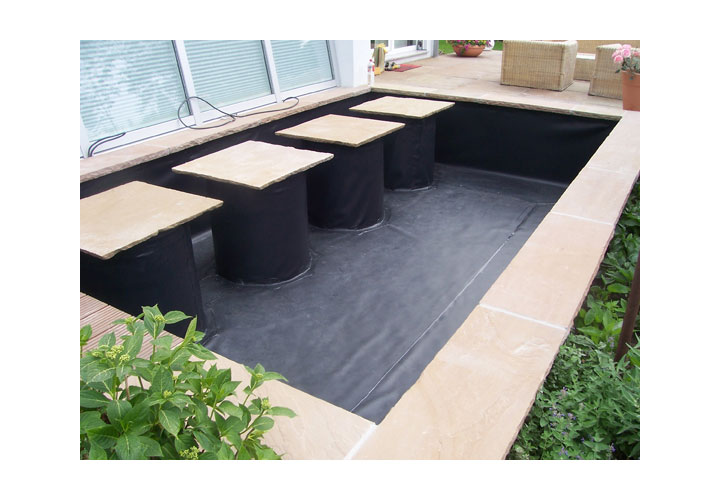 Beispiele f r die folienverlegung vorher und nachher for Pool mit schwarzer folie